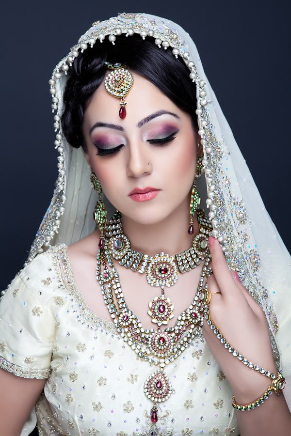 Video Tutorial Reception Asian Bridal Makeup Saloni Health Amp Beauty Supply THE UNCOMMON BEAUTY