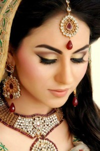 Pakistani-Bridal-Makeup-12-e1327838796687