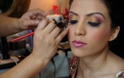 1.Bridal Makeup