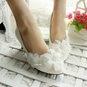 2015-new-Sweet-white-flower-lace-bride-low-hells-font-b-shoes-b-font-font-b