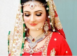 Bridal Make Up For Barat