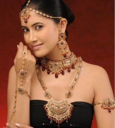 Elegant Jewelry Design for Pakistani Brides4