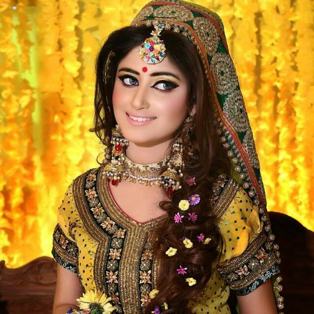 Mehndi Makeup And Hair Pics : Madeeha s bridal salon and studio complete details