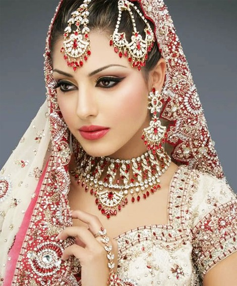 Rose Beauty Parlor by Ayesha Begum Complete Details ...