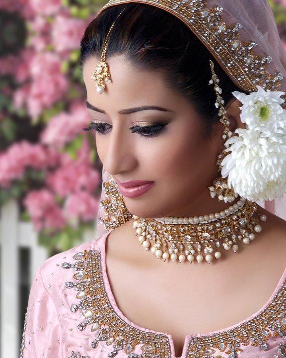 Heer Beauty Parlour Makeup Looks And Photoes: