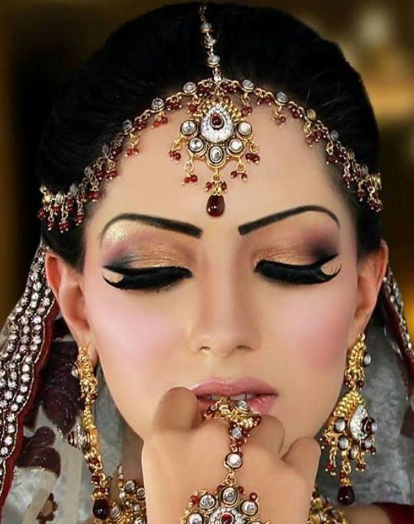 Mehndi Bride Makeup : Heer beauty parlour complete details saloni health