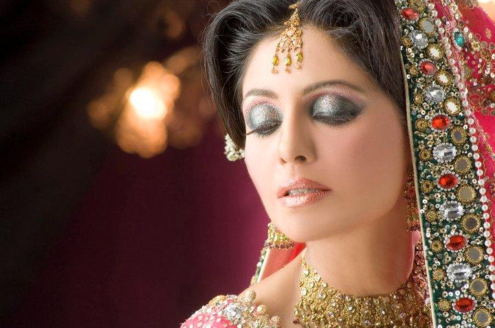 Uzma S Mehndi Makeup : Indian bridal makeup photography youtube international dot