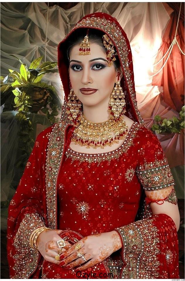 Aisha Faisal Makeup Studio Complete Details Saloni