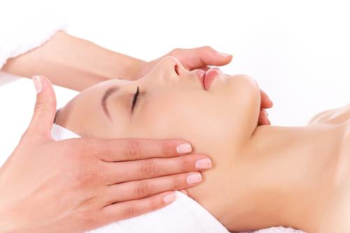 Diva beauty salon services complete services saloni for A skin care salon