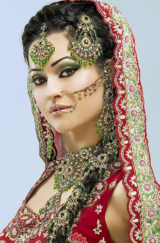 Full Bridal Makeup With Hairstyle : Latest Dulhan Makeup by Kashees Beauty Parlour Complete ...