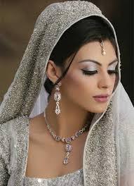 Bride Mehndi Makeup By Kashee's (Mehndi Photos)
