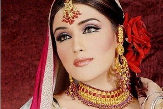 Bride Valima Makeup By Kashee's (Valima Photos)