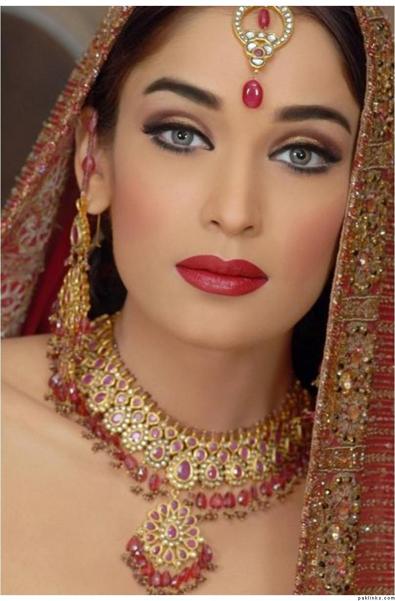 Cultural Wedding Makeup : Latest Dulhan Makeup by Kashees Beauty Parlour Complete ...