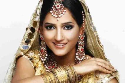Kashee's Beauty Parlour Services and Make up Photos1
