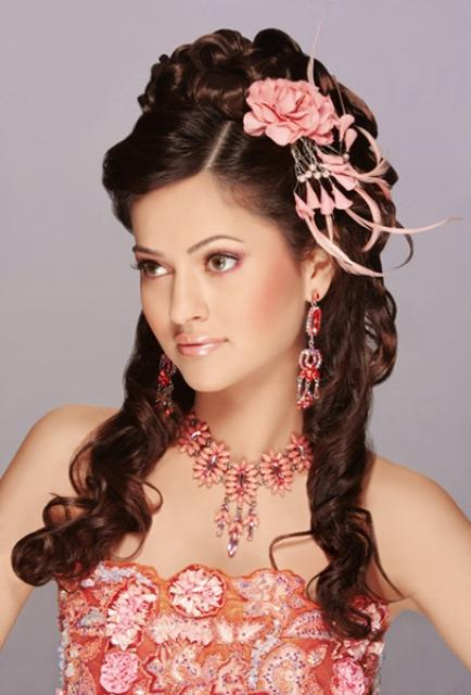 Latest Dulhan Walima Mehndi Makeup By Blazon Salon And Studio