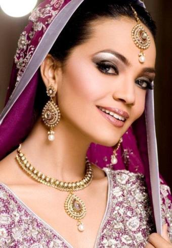 Model Bridal Makeup1