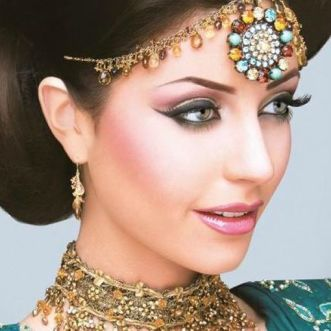 Model Makeup Look By Kashee's Beauty Parlour1