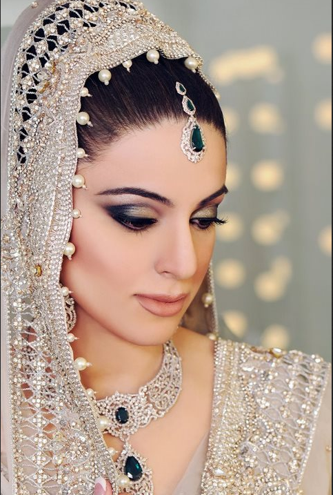 N-Pro Nabila Saloon Latest Makeup And Hair Styles Saloni ...