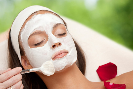 Skincare Treatment At Nina G1