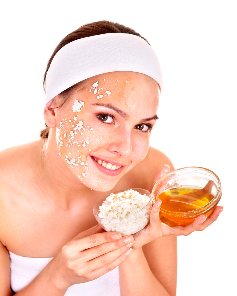 Best homemade remedies for glowing skin saloni beauty for Honey beauty salon