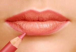 Applying Perfect Lipstick