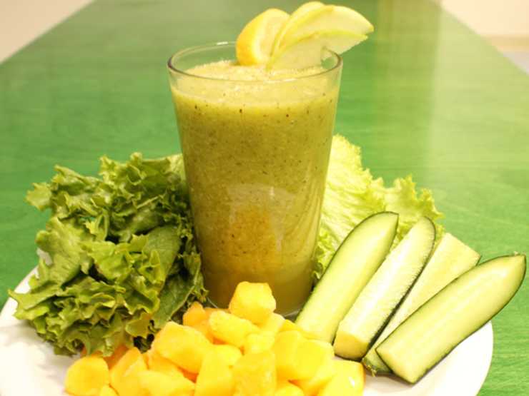 Green Machine Delectable Detox Smoothie – Saloni Health & Beauty ...
