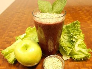 Mint Apple Berry Delectable Detox Smoothie