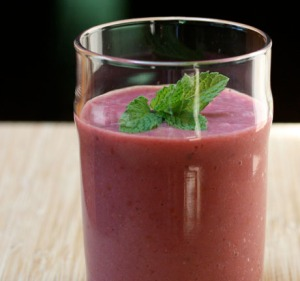 Mint Apple Berry Delectable Detox Smoothie1