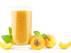Welcoming Summer - Apricot-Mango Madness Smoothie