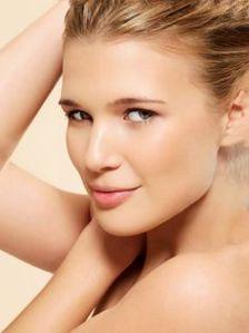 Saloni 1-Minute Makeover Brighten Your Complexion1