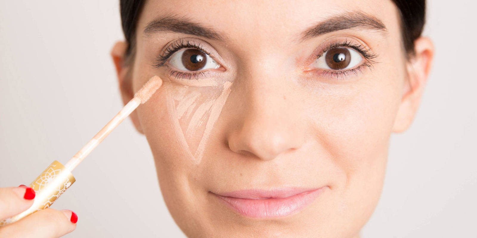 5 Best Makeup Concealers That Cover Acne And Dark Circles Saloni