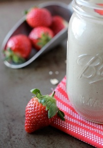 Meal Replacement Strawberry Banana Oatmeal Smoothie1