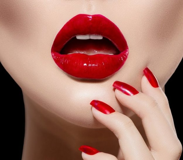 rsz_red_lips_by_paullus23-d6v0z70