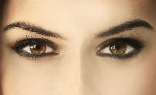 black-makeup-for-brown-eyes.jpg
