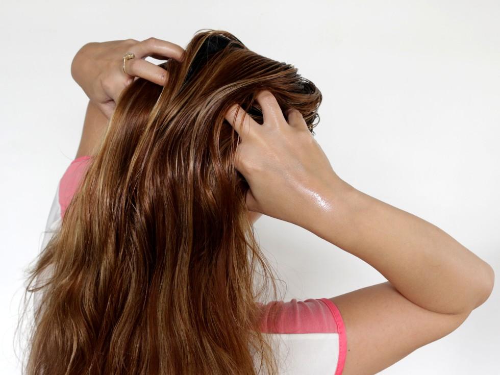 Create-a-Warm-Oil-Hair-Treatment-for-Very-Dry_Damaged-Hair-Step-7.jpg