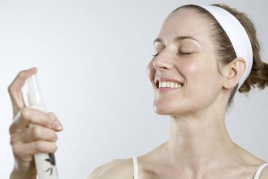 Face-spray-post-workout-toner-skin-calmer.jpg