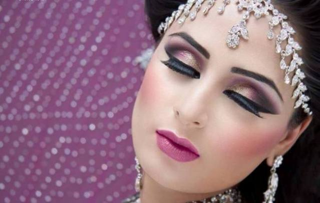 Trendy-Party-Make-Up-Collection-2015-For-Girls-3