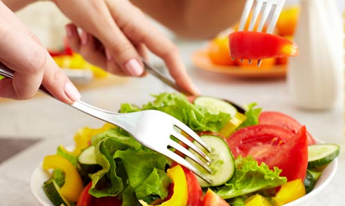 Diet-Tips-To-Reduce-Oily-Skin-Naturally.jpg