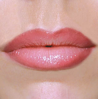 lipliners-permanent-makeup-treatments-01M.jpg