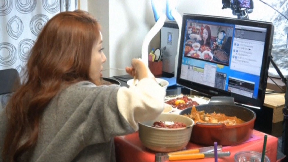 140128185640-south-korea-food-trend-watch-someone-eat-vosot-00002021-horizontal-large-gallery.jpg