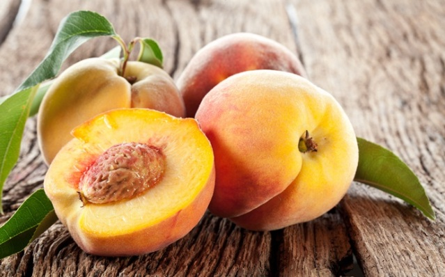banana-or-peach-or-apricot-or-avocado-hydrating-face-mask-for-dry-skin