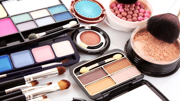 header_image_fustany-beauty-makeup-2015_best_seller_makeup-main_image.png