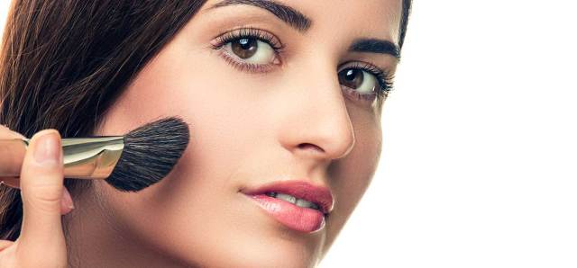 16-tips-and-tricks-to-make-small-eyes-appear-bigger